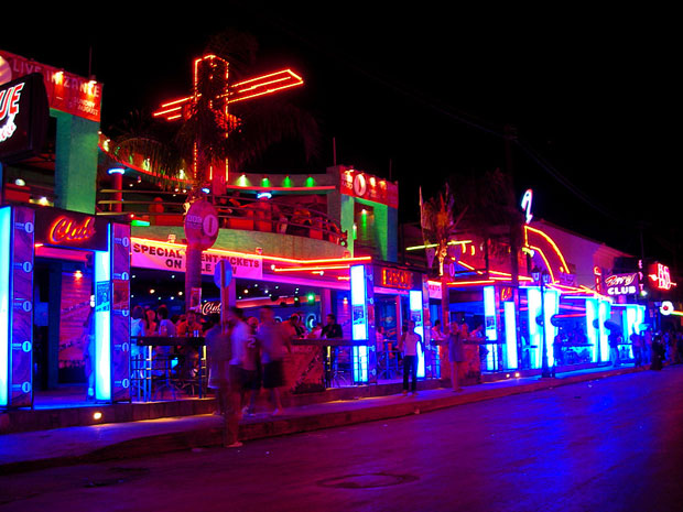 Laganas Nightlife - Bars, Clubs - Main Street!